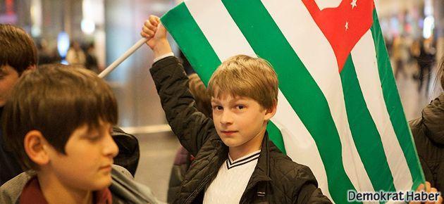 TRT Abhazya'yı 23 Nisan'dan çıkardı