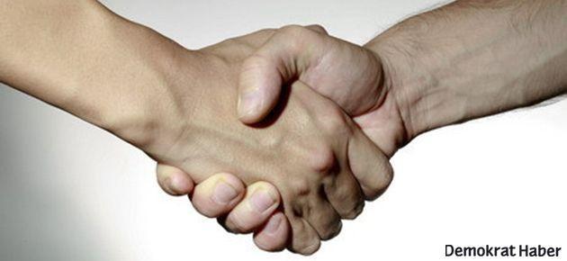 Türk ve Ermeni aktörler el sıkışma rekoru kırdı