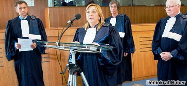 'Türk yargıçlarında ideolojik gözlük var'