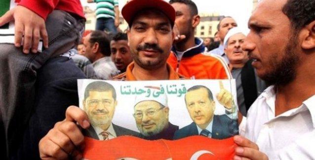 'Türkiye, kendi lehine gösteri yapılsın diye Filistin sokaklarında para dağıttı'