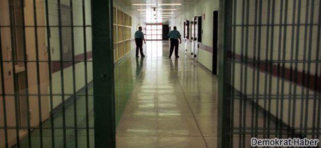 Tutukluya falaka işkencesi