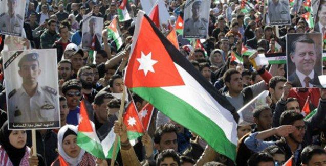 Ürdün'de binlerce kişi IŞİD'i protesto etti