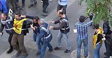 10 Ekim anması için bildiri dağıtanlar gözaltına alındı