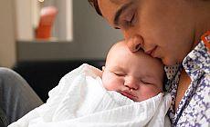 'İlk altı ayda bebeğinizle uyumayın'