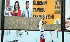 Bitlis'te 'Hayır' bilboardlarına saldırı