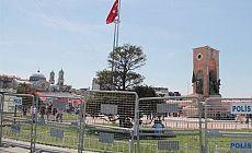 1 Mayıs öncesi Taksim Meydanı bariyerlerle kapatıldı