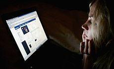 Genç kadınlar internette 'hayatlarını mükemmel gösterme baskısıyla karşı karşıya'