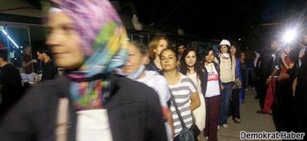 Vali çağırdı anneler Taksim'e koştu