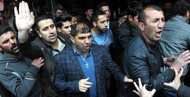 Van'da AKP'yi protesto eden 5 kişi tutuklandı