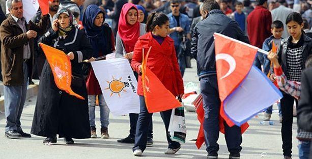 Van'da AKP'nin 11 ilçe yönetimi topluca istifa etti