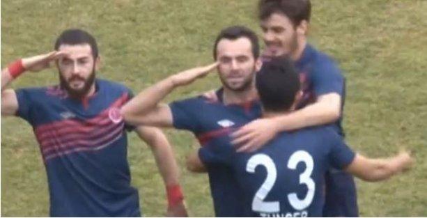 Van'daki futbol maçında asker selamı sahayı karıştırdı
