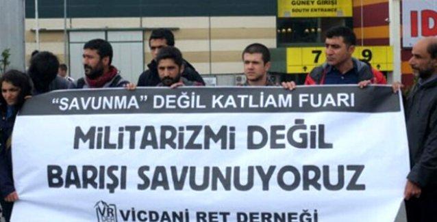 Vicdani retçiler 'Savunma Sanayii Fuarı'nı protesto etti: Savunma değil, katliam fuarı!