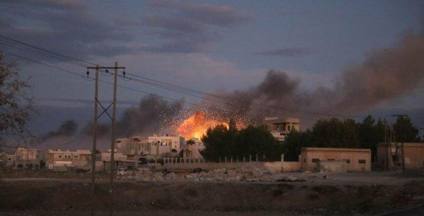 YPG, 2 bomba yüklü aracı havaya uçurdu
