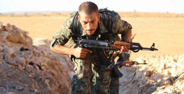 YPG, Kobani'de 3 noktayı IŞİD'den geri aldı