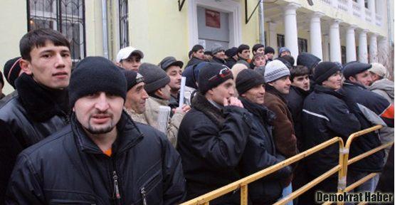 Yunanistan göçmenleri sınır dışı ediyor