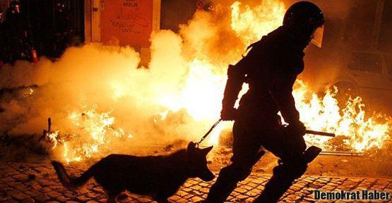 Yunanistan'da Roman mahallesini ateşe verdiler