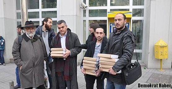 Zarakolu ve Sarafyan 'Mavi Kitap'ı meclise yolladı