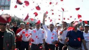 'Adalet Yürüyüşü' marşı: 'Geliyoruz Zincirleri Kıra Kıra'