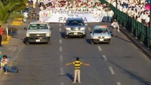 Meksika'da homofobiye karşı eylem: Bir çocuk!